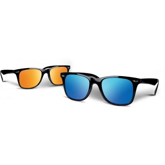 Óculos de sol com lentes espelhadas