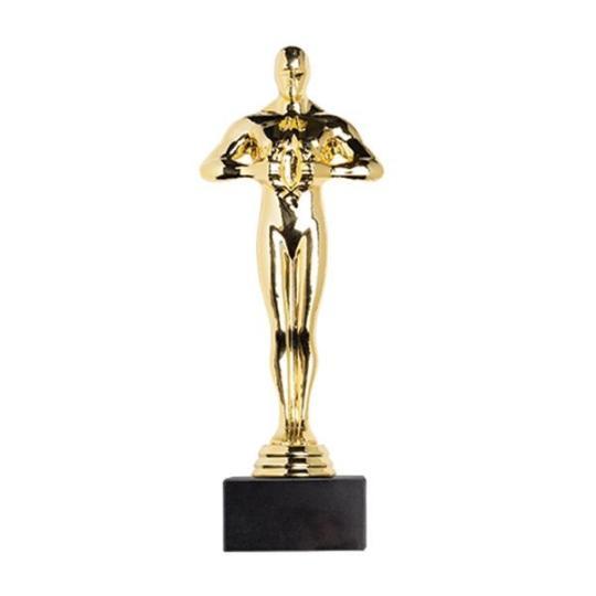 Troféu estatueta dourada